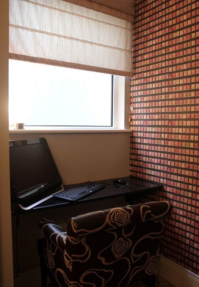 property Suite cottage window treatment