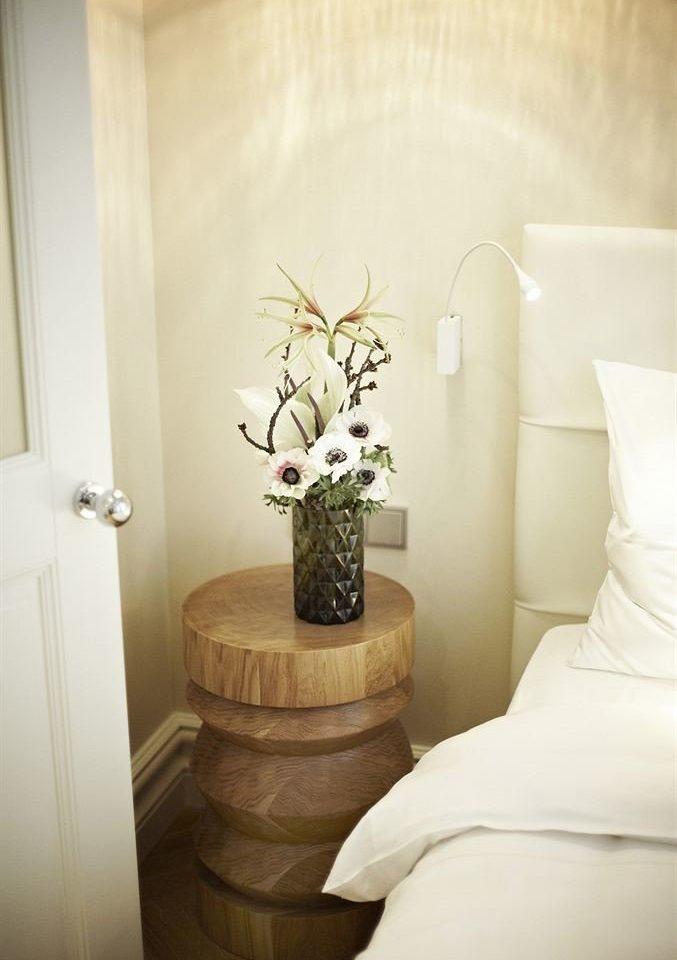 white lighting home living room Suite flooring