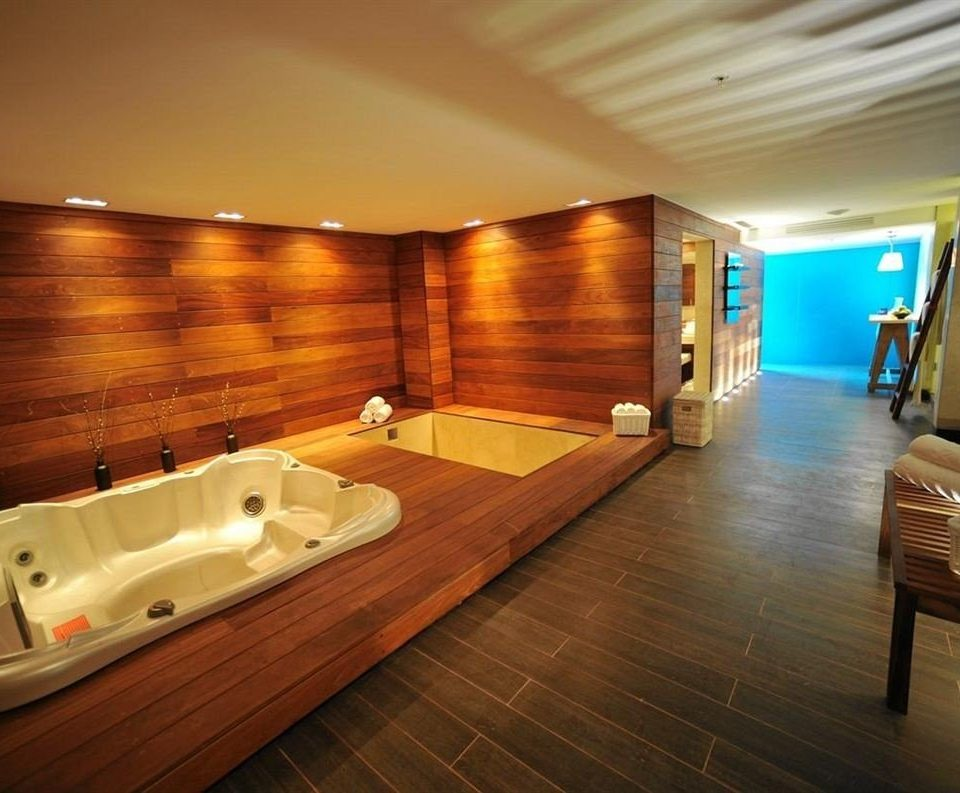 wooden swimming pool jacuzzi Suite hard