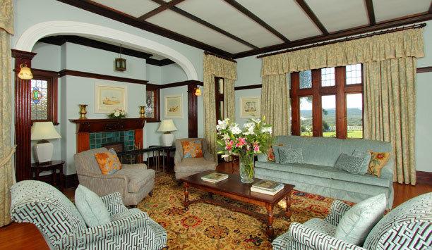 living room sofa property home house Suite