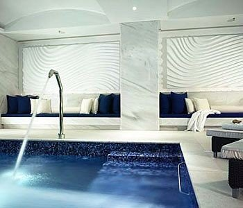 swimming pool property yacht jacuzzi Suite