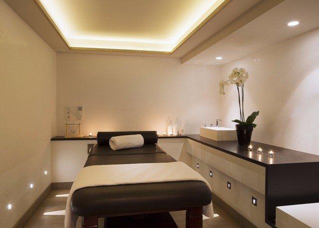 property Suite lighting living room