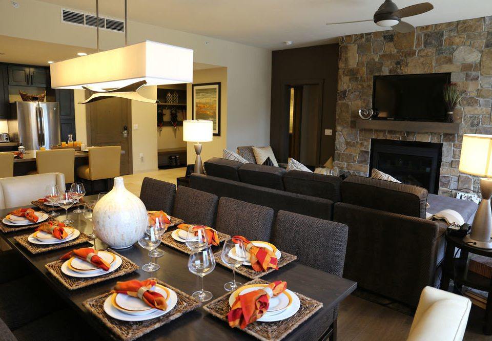 property restaurant living room Suite