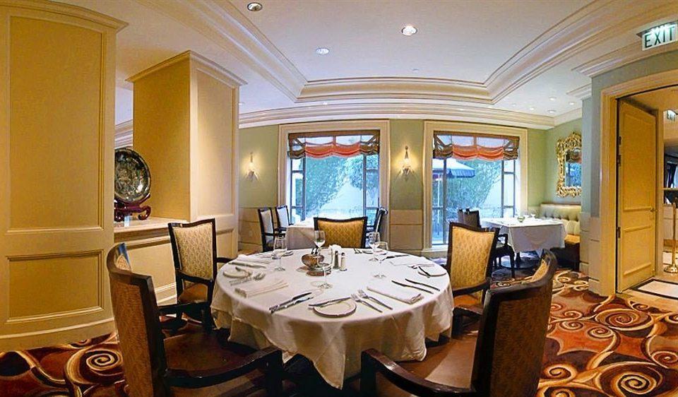 property Suite restaurant living room