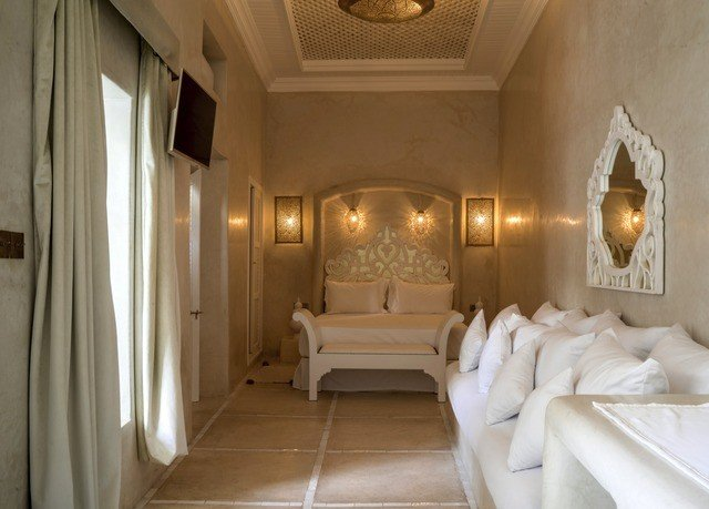 property Suite white mansion
