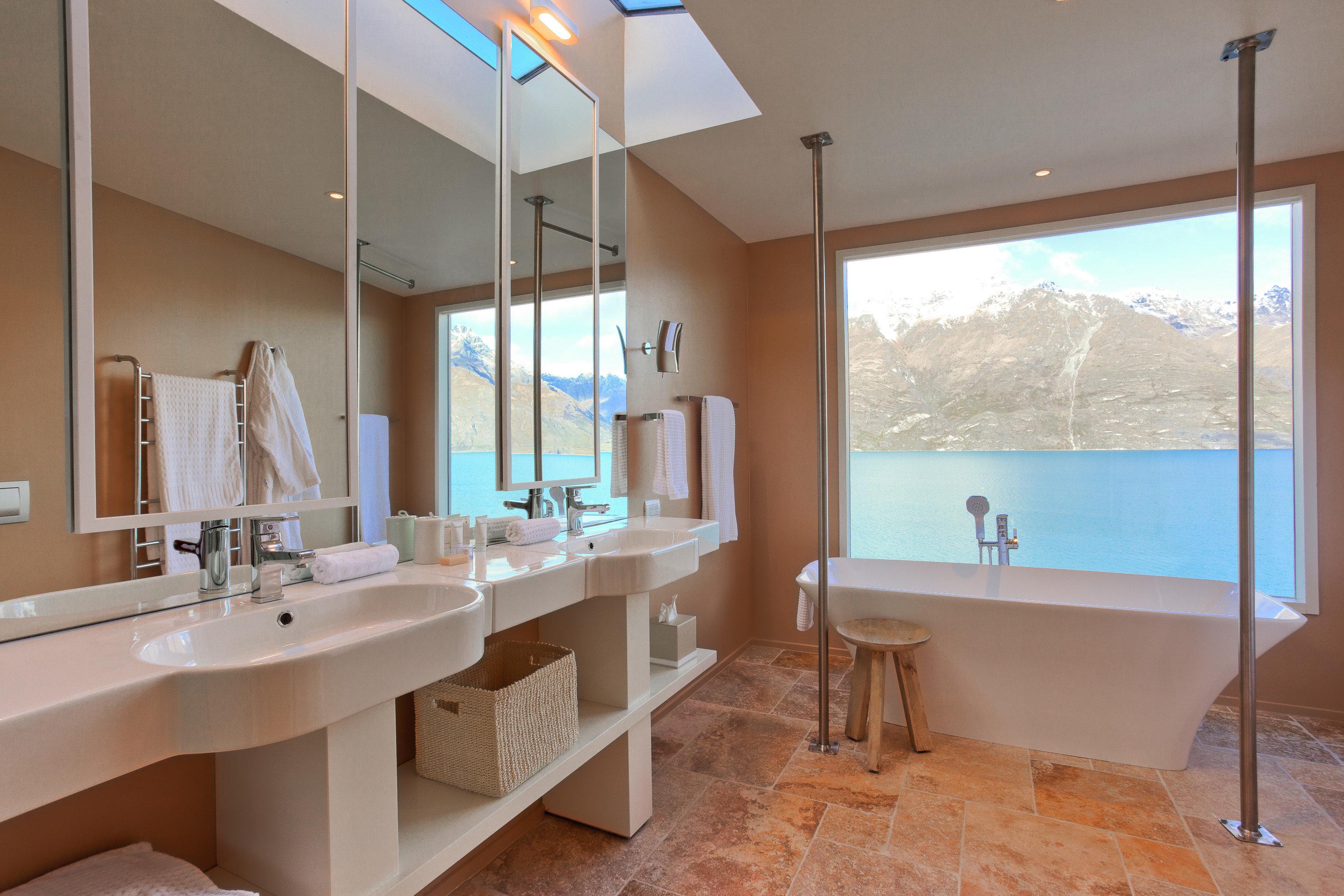 bathroom property sink condominium home Suite Villa tub bathtub