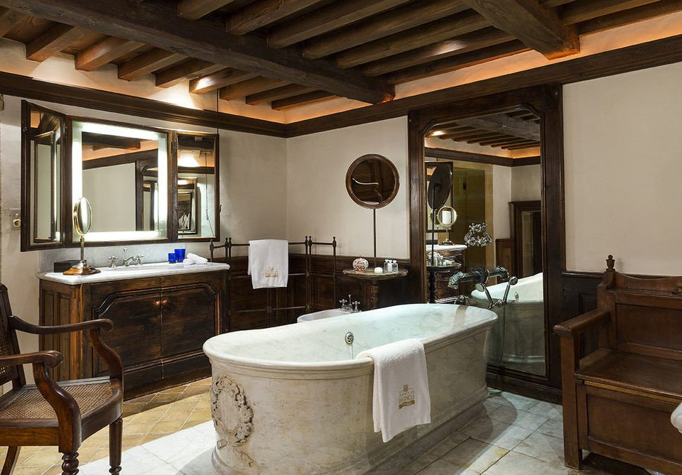 property home Suite cottage bathroom farmhouse Villa mansion