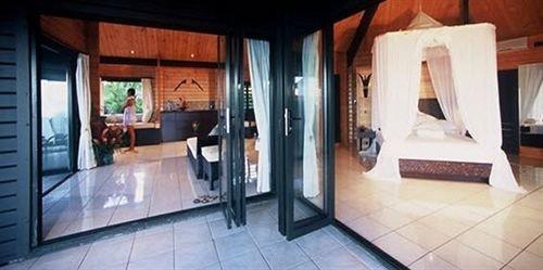 property building Villa home cottage Suite condominium mansion tile tiled