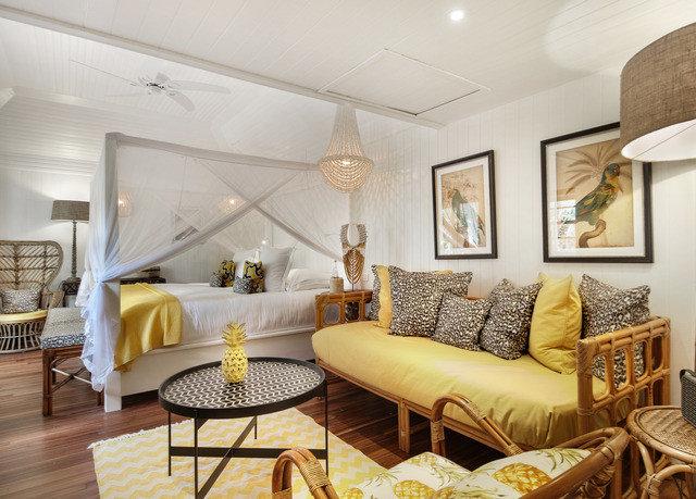 living room property chair home Suite condominium cottage Villa