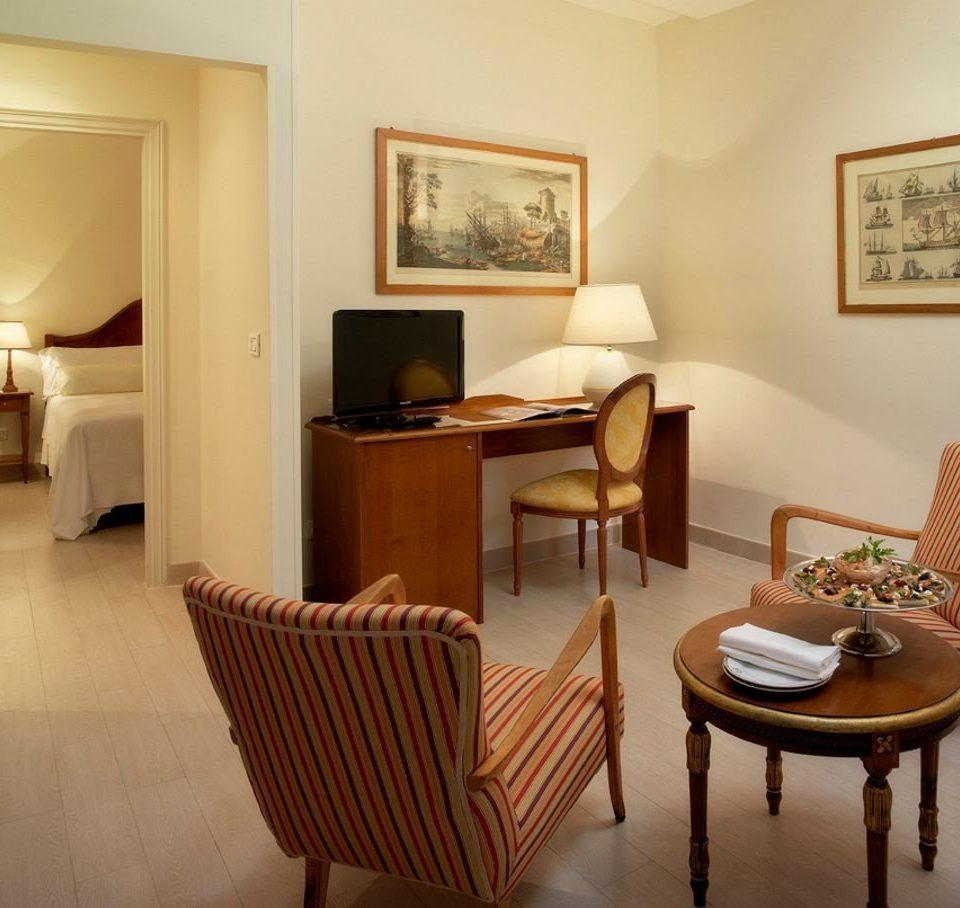 property chair Suite cottage living room condominium Villa