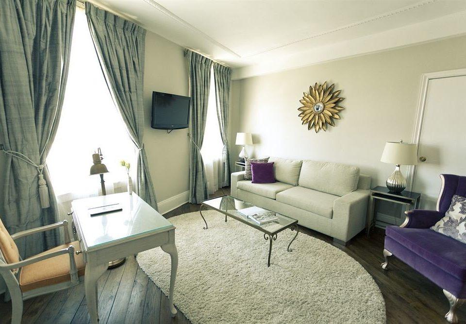 chair property living room condominium home cottage Suite Villa
