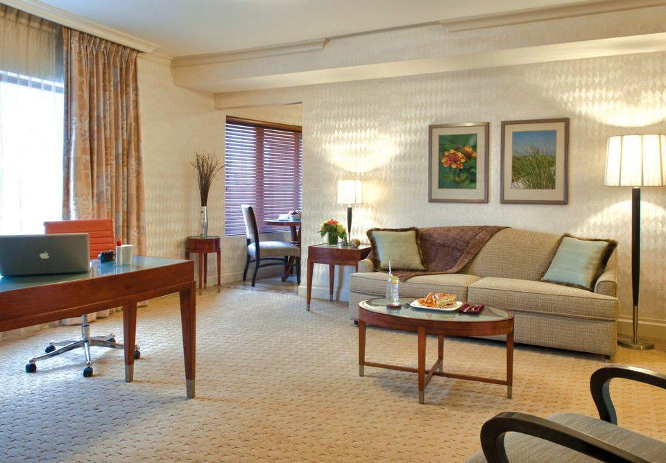 chair property living room condominium Suite home recreation room cottage Villa