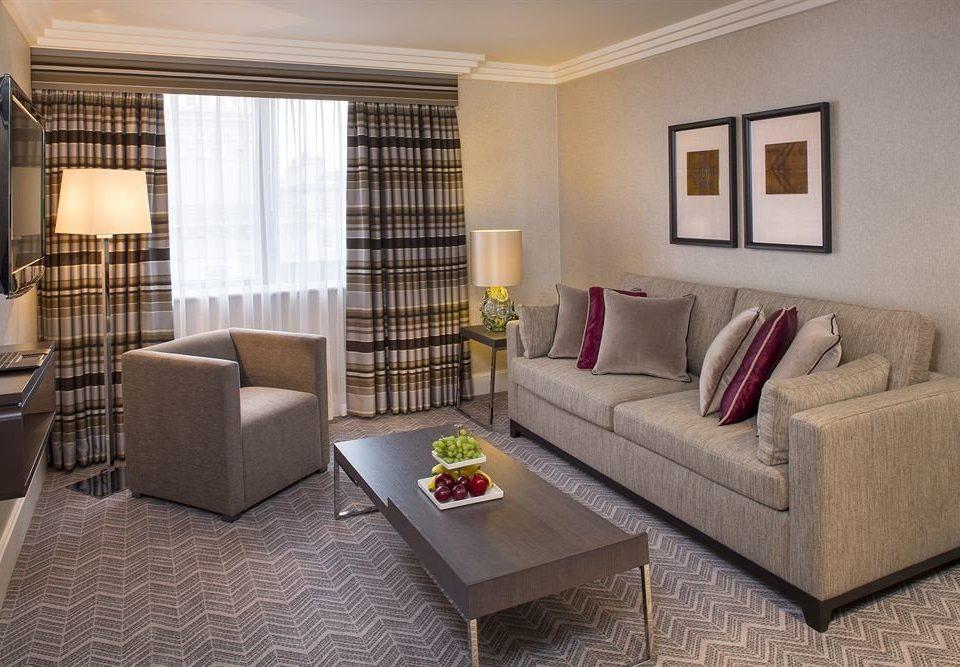 sofa property living room Suite condominium home cottage Villa