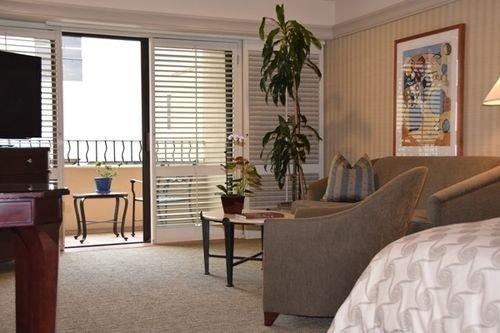 property living room home condominium hardwood Suite cottage Villa