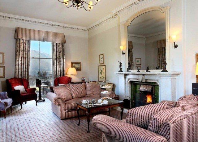 sofa property living room Suite condominium Villa mansion home cottage