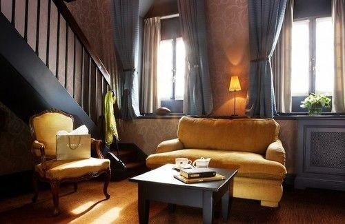 property living room Suite condominium home Villa cottage mansion