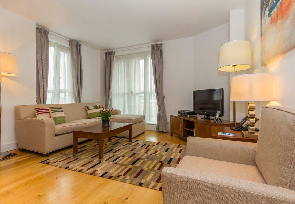 sofa property living room condominium Suite hardwood home cottage Villa wood flooring hard flat