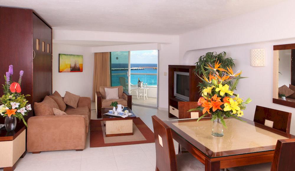 property living room home Suite Villa cottage condominium plant flat