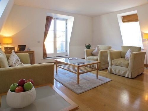 property living room Suite condominium hardwood Villa cottage hard