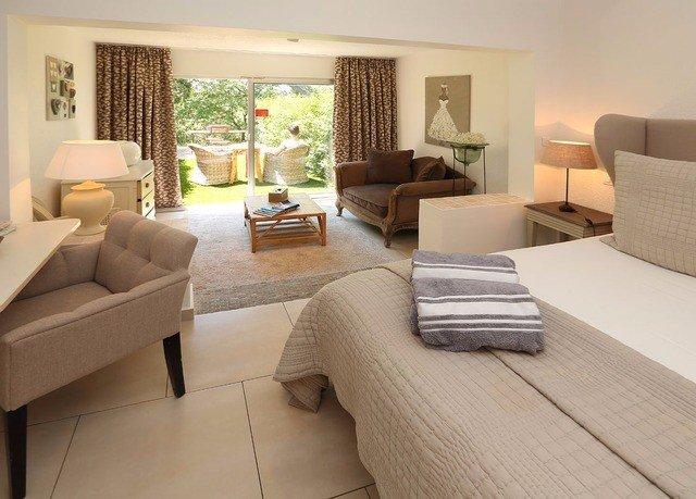 sofa property living room condominium hardwood Suite home cottage flooring Villa