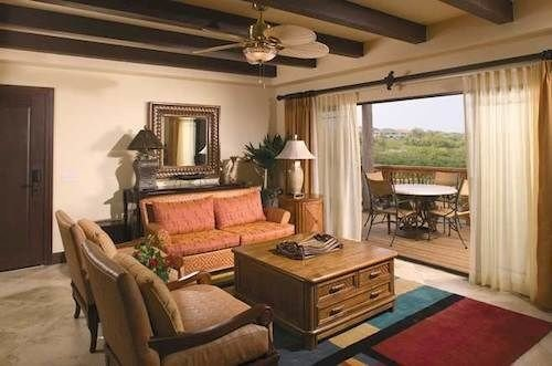 living room property home cottage Villa hardwood mansion condominium farmhouse Suite