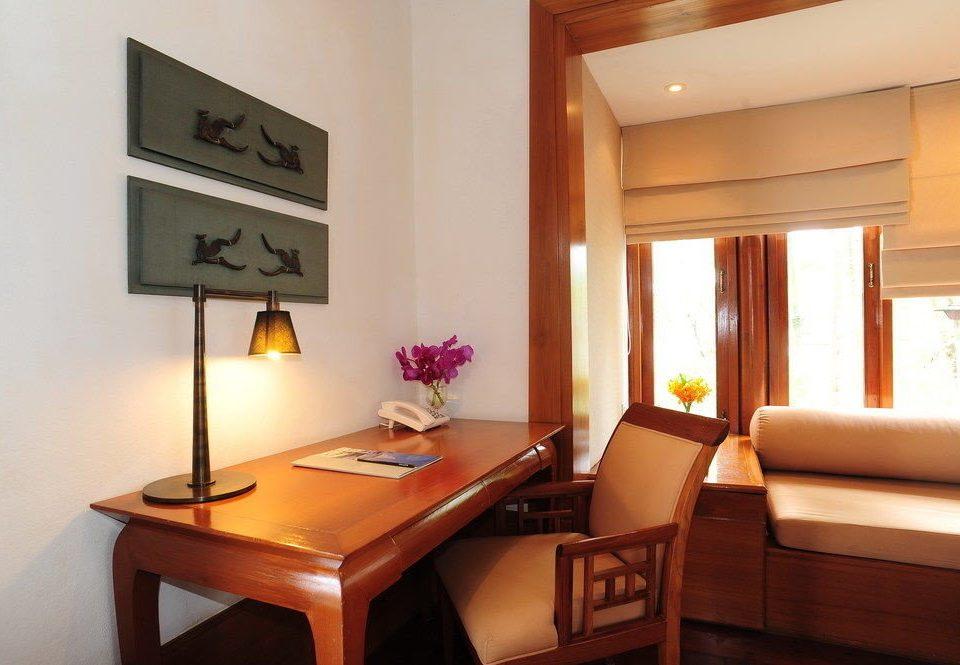 property Suite home living room cottage Villa condominium lamp