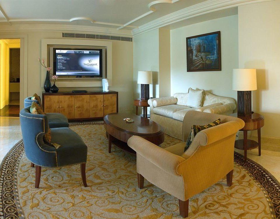 sofa property living room Suite condominium home Villa cottage