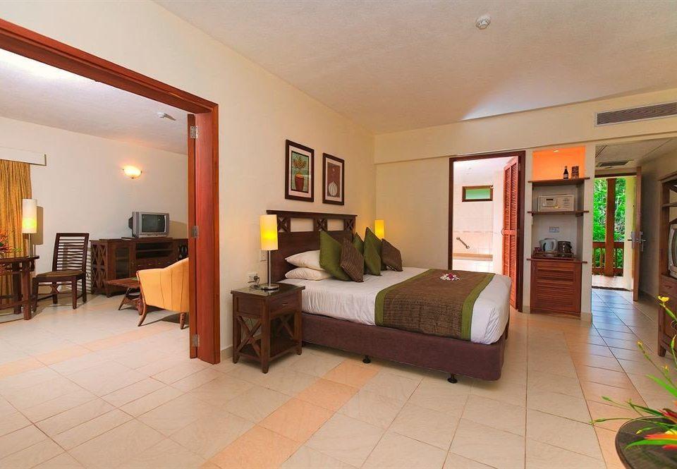 property condominium home living room Villa hardwood Suite cottage