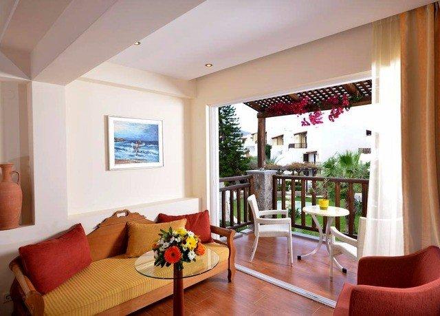 property living room home condominium hardwood Villa Suite cottage flat