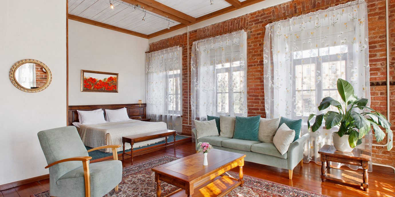 property living room home cottage Suite hardwood condominium Villa farmhouse
