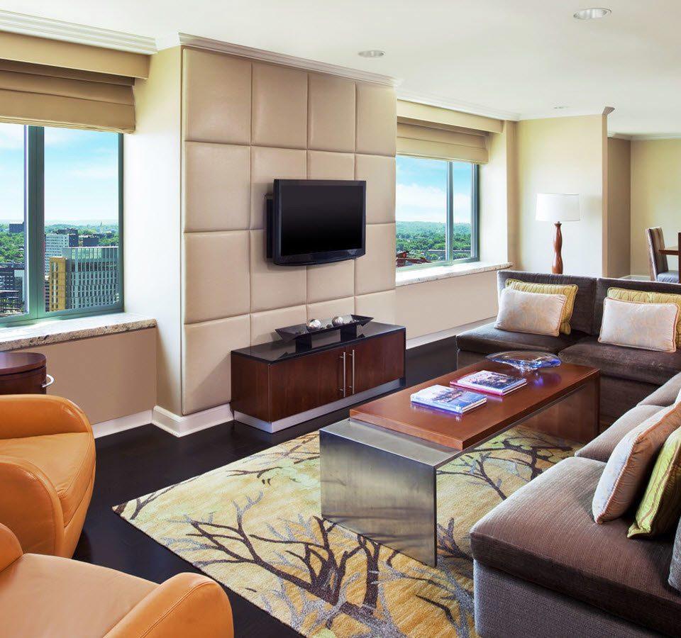 sofa property living room condominium home Suite cottage Villa leather