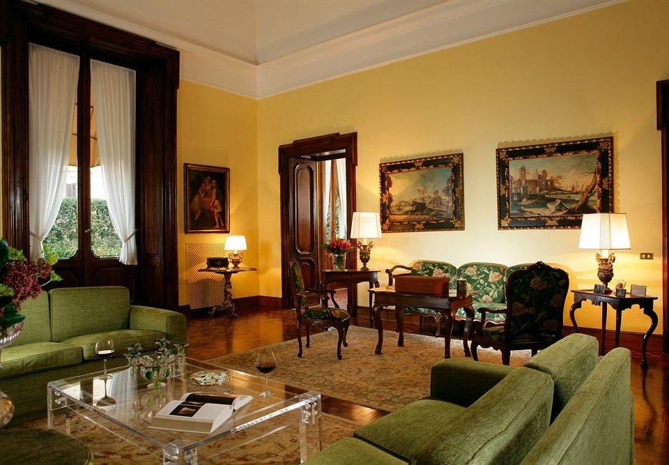sofa property living room Villa home Suite condominium cottage mansion