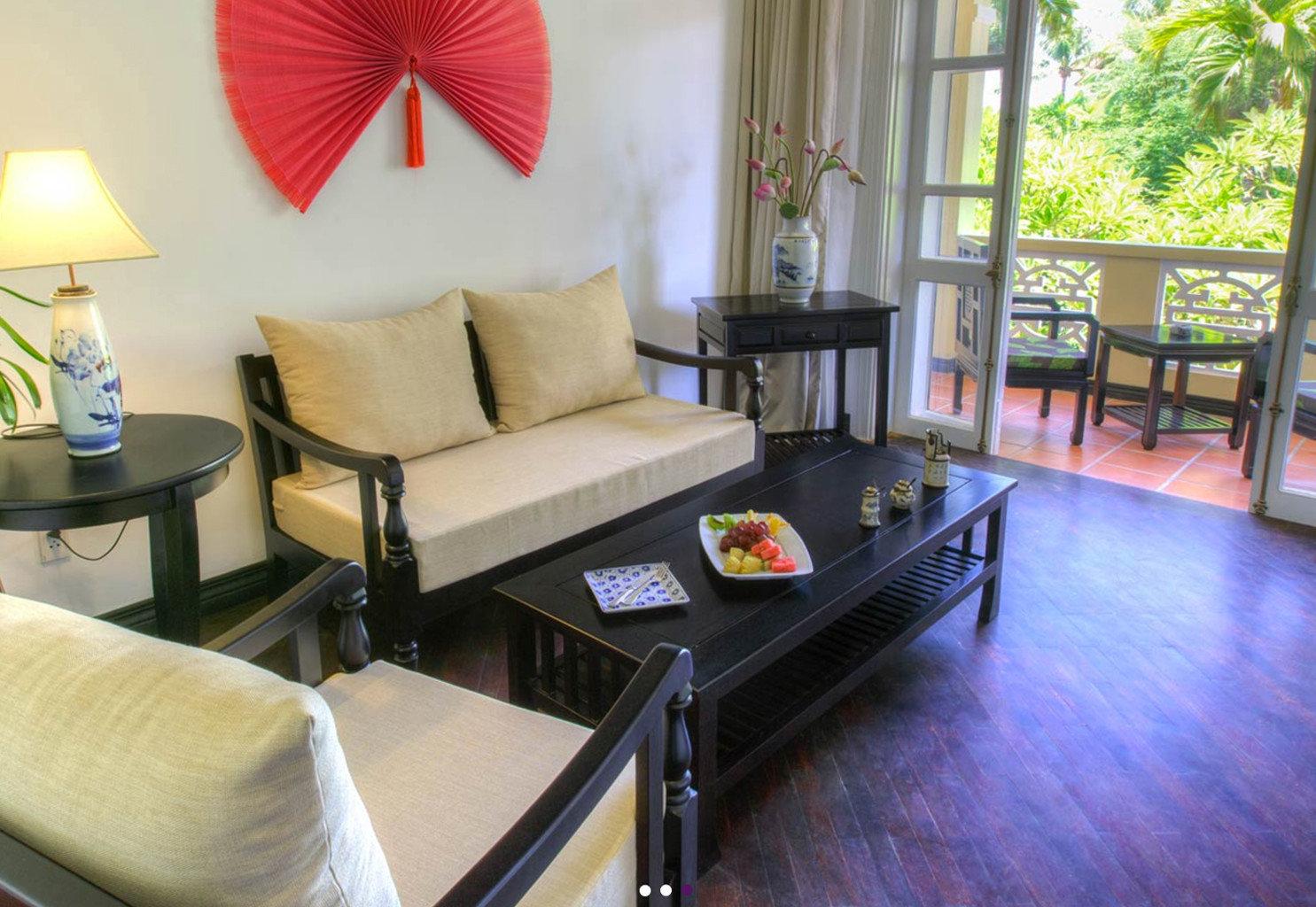 property living room home condominium Suite cottage Villa