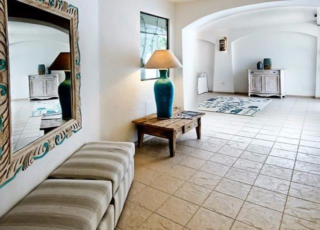 property living room Suite home Villa cottage condominium mansion