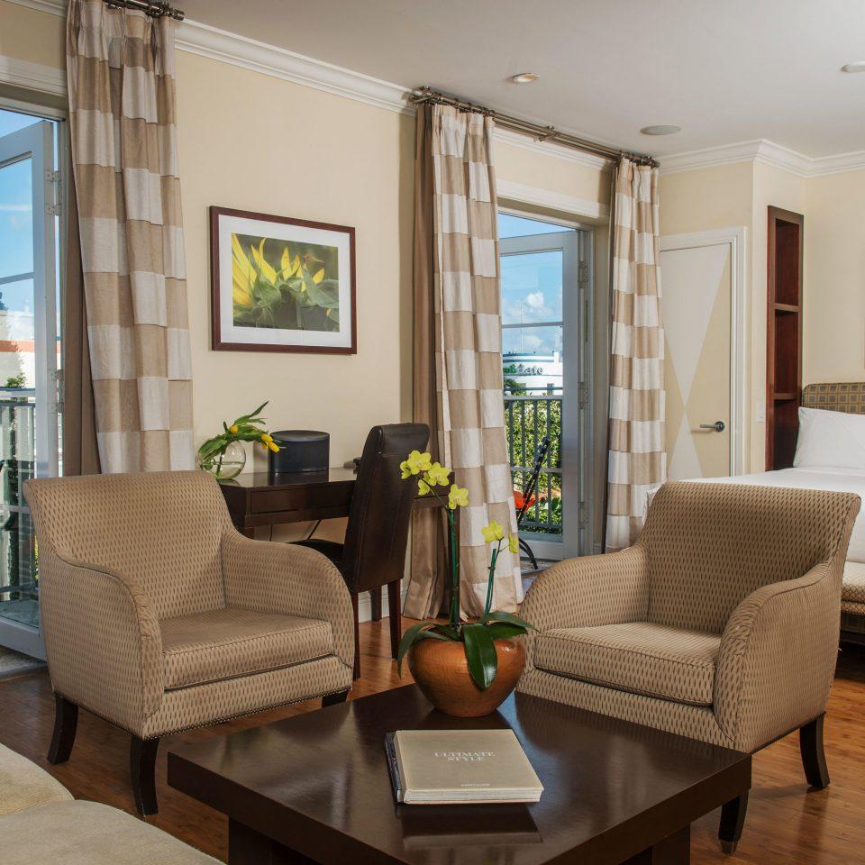 living room property condominium home hardwood cottage Villa Suite