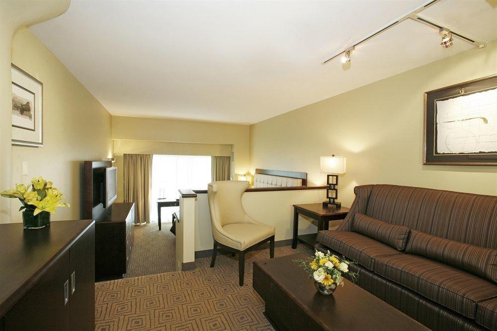 sofa property Suite living room condominium cottage Villa