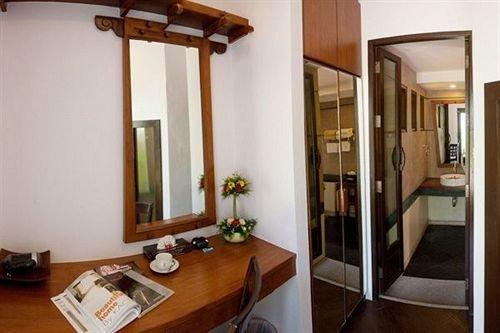 property cottage condominium home Suite Villa