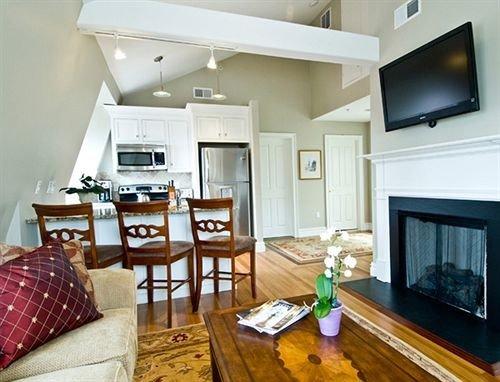 sofa property living room condominium Suite home hardwood cottage Villa mansion flat