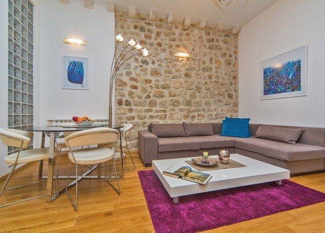 property living room Suite Villa cottage condominium home