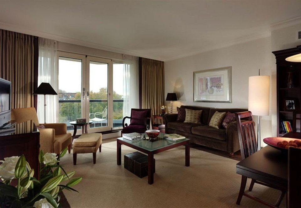 property living room condominium home Suite Villa hardwood cottage