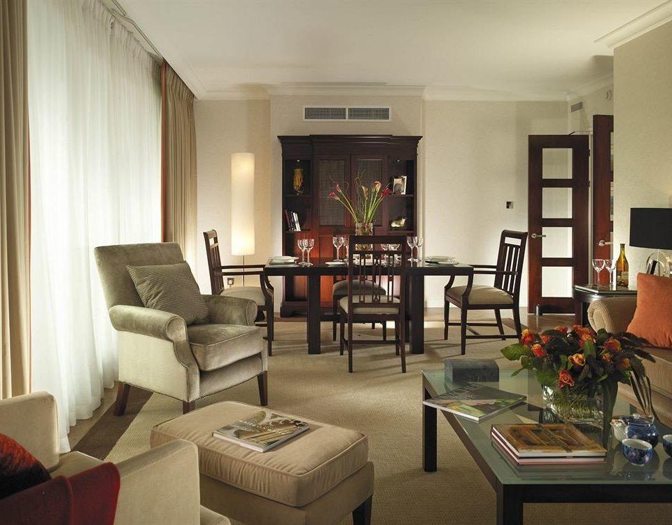 sofa living room property condominium home Suite cottage Villa leather
