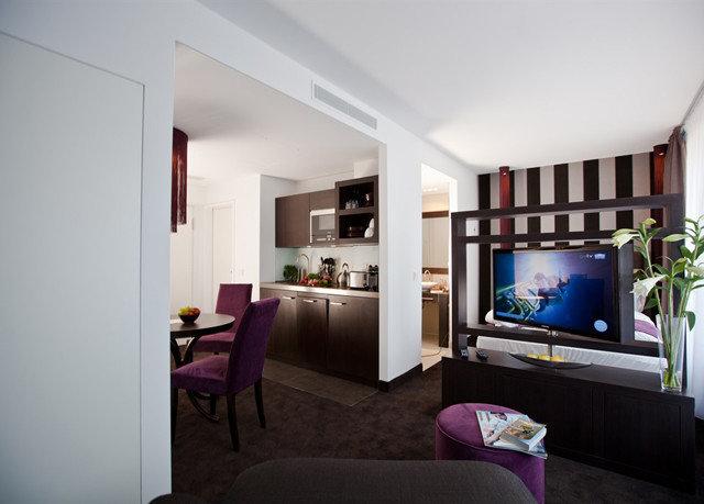 property living room home condominium Suite Villa cottage