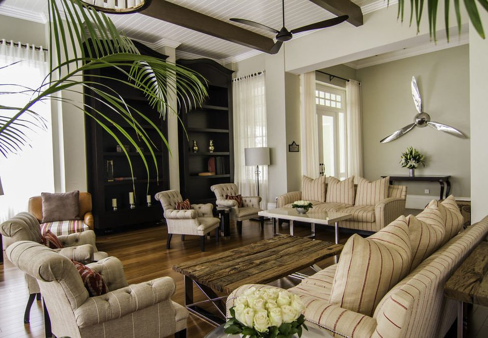 sofa living room property condominium home Villa Suite cottage mansion farmhouse leather