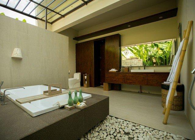 property house home Villa Suite condominium sink cottage