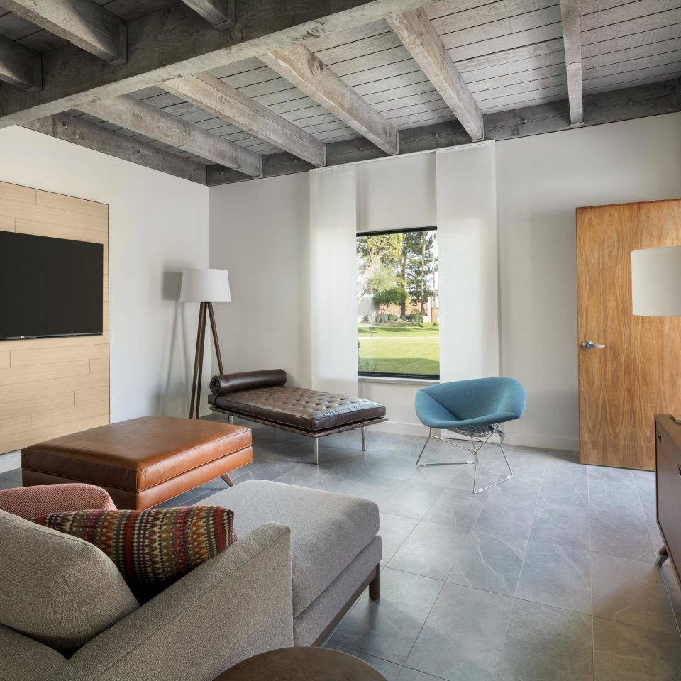sofa property living room home Suite Villa cottage condominium loft leather