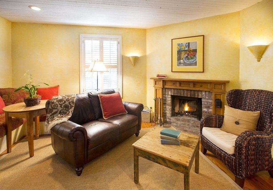 sofa property living room Suite home cottage condominium Villa