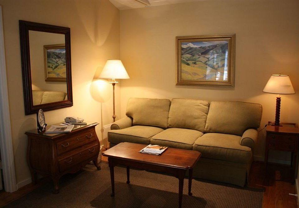property Suite living room cottage home Villa condominium lamp tan