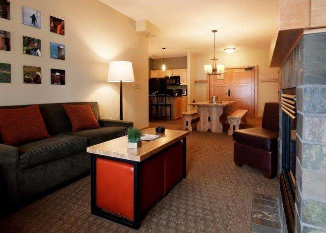 sofa property condominium living room Suite home cottage Villa loft