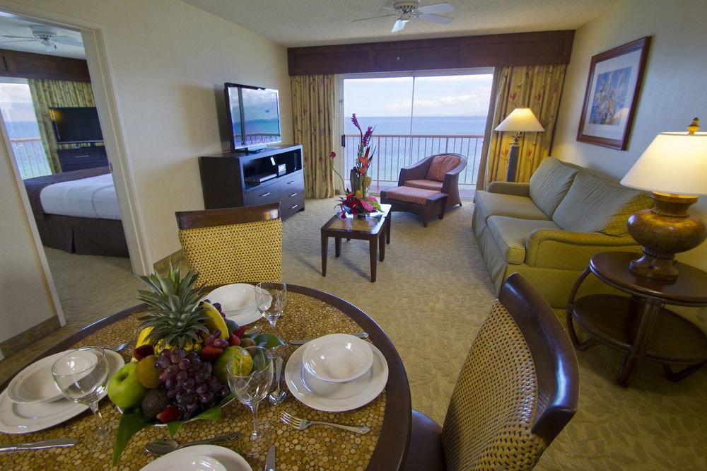 property condominium Suite home living room cottage Villa