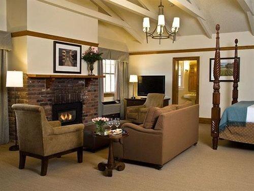 property living room home condominium Suite cottage Villa mansion